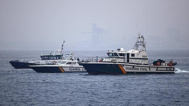 La Guardia Civil en aguas del Estrecho