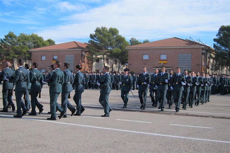 Ceremonia de jura de bandera en la Academia de la Guardia Civil en Baeza