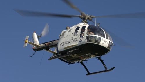 Un helicóptero de la Guardia Civil durante un servicio