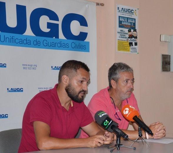 Marco Fumero, padre de Liam (izquierda) y Javier Merideño, secretario general de AUGC en la provincia tinerfeña