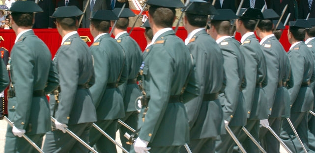 Desfile de guardias civiles.