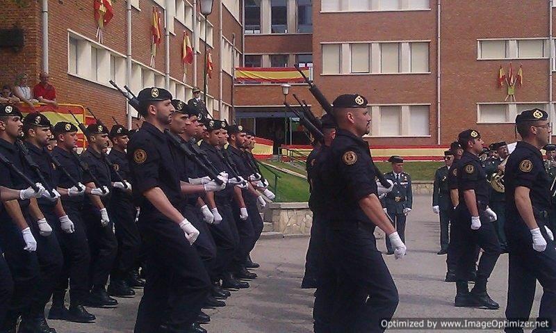Los desfiles parecen ser más importantes que la seguridad.