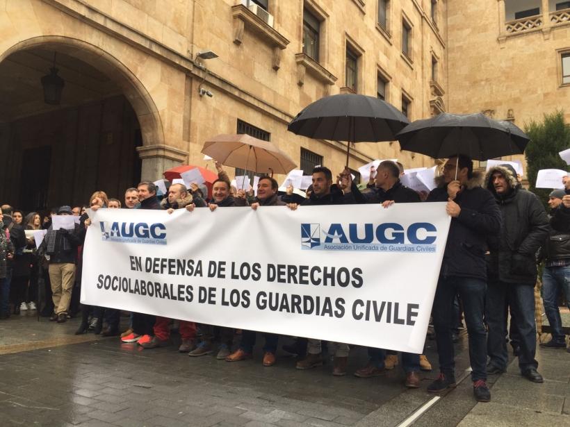 Representantes de AUGC presentes en la concentración.