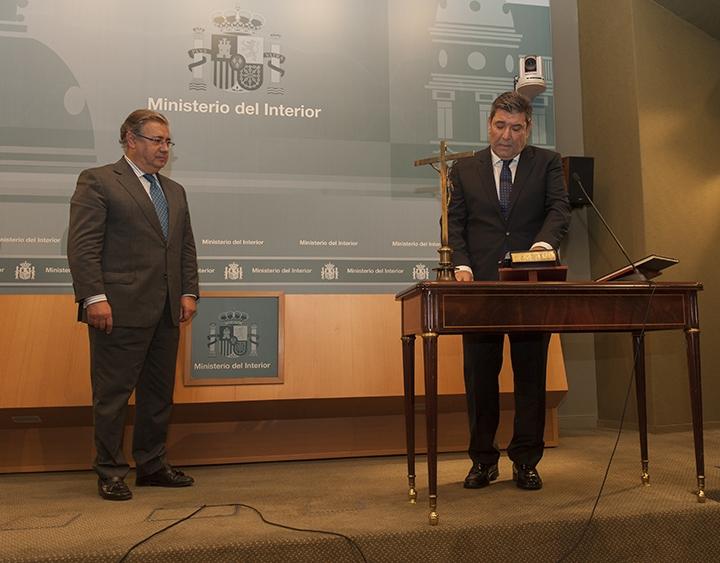 José Manuel Holgado, en la jura de su cargo ante el Ministro del Interior, Juan Ignacio Zoido.