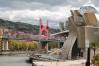 Imagen del Puente de la Salve y del Museo Guggenheim, en Bilbao
