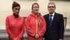 Alicia Sánchez, en el centro, acompañada por la Secretaria de la Mujer de AUGC, Pilar Villacorta, y el asesor jurídico nacional de la asociación, Mariano Casado, en la declaración ante el Juzgado Togado Militar en Valladolid, el pasado mes de noviembre.
