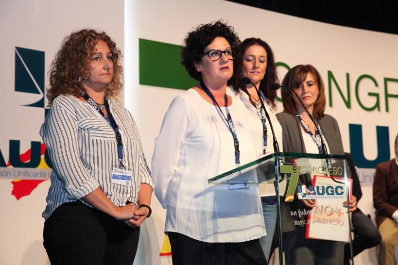 Las esposas de los cuatro guardias civiles, en su intervención el pasado octubre en el 7º Congreso Nacional de AUGC en representanción de la Plataforma No + Silencio.