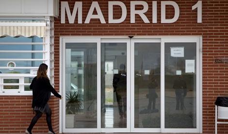 Fachada del Centro Penitenciario de Meco, en Madrid.