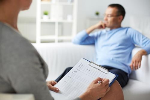El apoyo psicológico es fundamental a la hora de prevenir conductas suicidas.