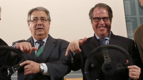 Gregorio Serrano (derecha), junto al Ministro del Interior, Juan Ignacio Zoido