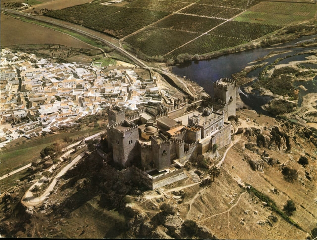 Vista aérea de la localidad cordobesa de Almodóvar del Río, donde tuvo lugar la agresión.