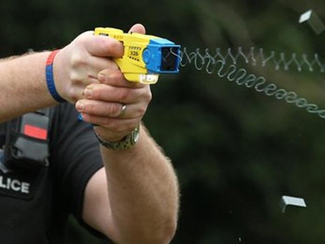Las armas eléctricas son empleadas ya por numerosas policías en todo el mundo.