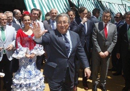 El ministro del Interior, Juan Ignacio Zoido, en la Feria de Abril de Sevilla.