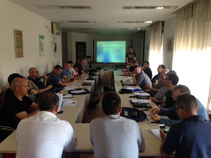 Más de treinta guardias civiles destinados en Andalucía han participado en este primer taller de prevención de conductas suicidas organizado por AUGC.