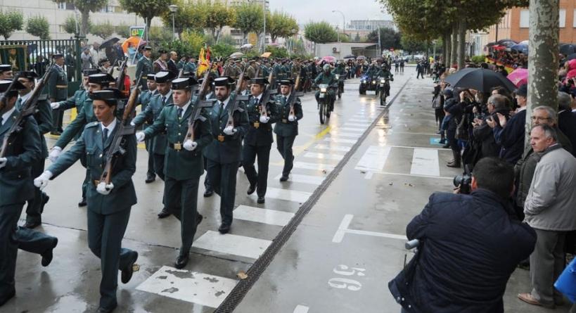 Imagen del desfile del Día del Pilar celebrado en Burgos en 2015.