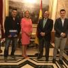 Los representantes de AUGC Madrid, con los senadores.