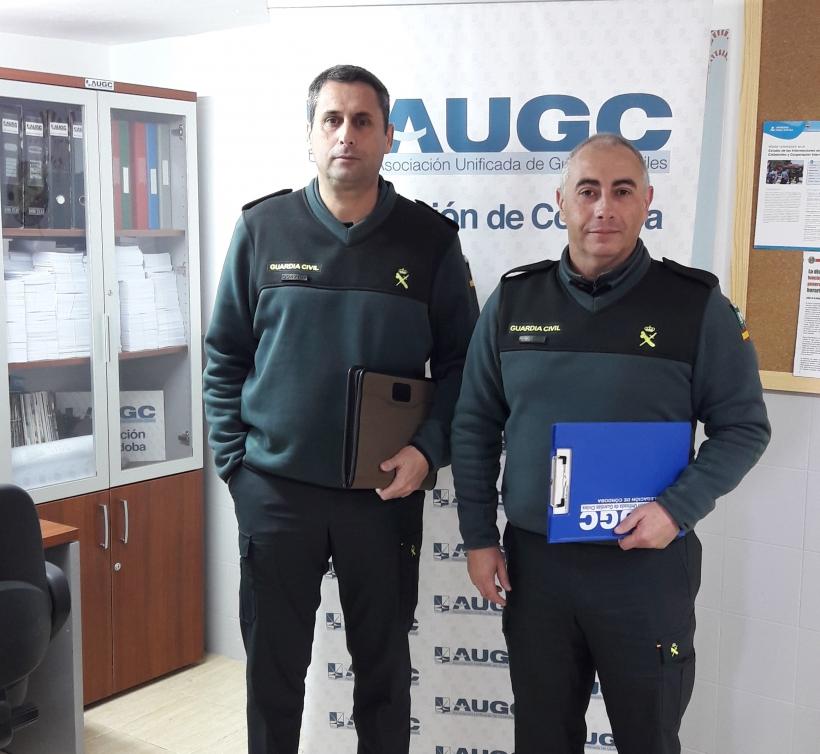 Francisco Cruz (dcha.) tras comparecer ante el instructor del expediente, acompañado del secretario jurídico de AUGC Córdoba que le asistió, Rafael Sánchez