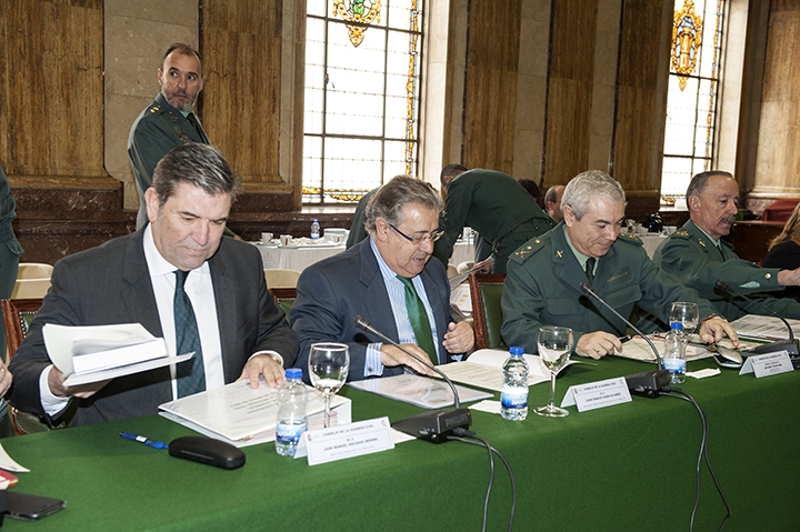 El Ministro del Interior y el Director General de la Guardia Civil, en un Pleno reciente.