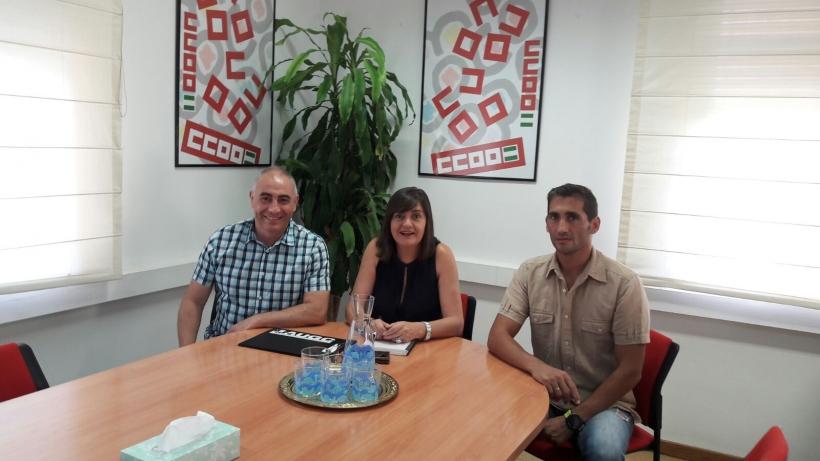 De izquierda a derecha: Francisco Cruz (secretario de institucionales de AUGC), Marina Borrego (secretaria provincial de CCOO), Antonio Sánchez (secretario provincial de SUP)