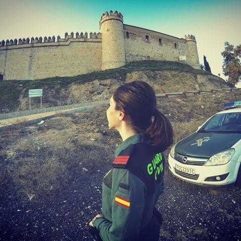La Guardia Civil destinó más de siete millones de euros en acondicionar un castillo, que ahora se vende por cinco millones.