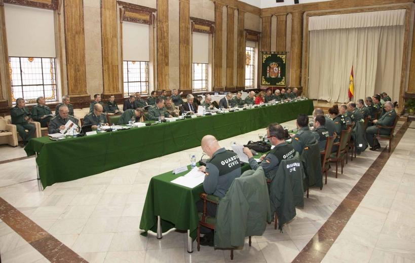 Pleno del Consejo de la Guardia Civil, con los representantes de AUGC en primer término.
