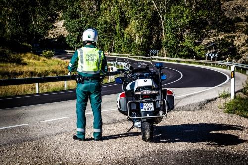 Un motorista de la Agrupación de Tráfico de la Guardia Civil