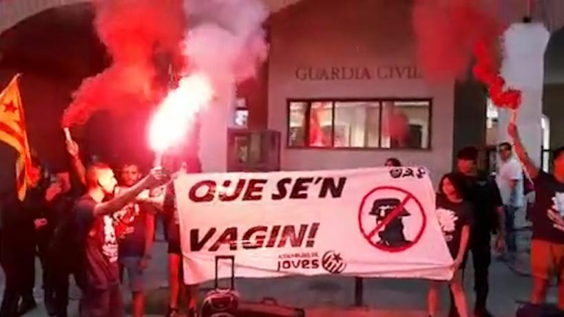 El acoso a los guardias civiles en Cataluña.