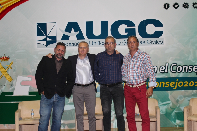 De izquierda a derecha, Joan Miquel Perpinyà, Alberto Moya, Fernando Carrillo y José Luis Bargados.