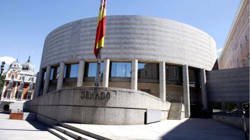 Edificio del Senado, donde ayer se aprobó la moción socialista.