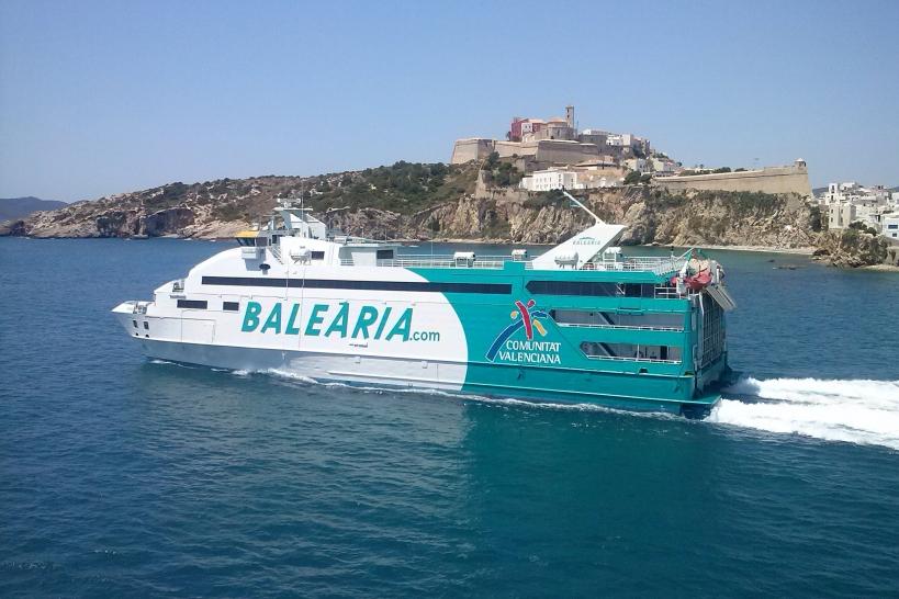 La compañía naviera Balearia es una de las firmas que ofrece importantes descuentos a los afiliados de AUGC