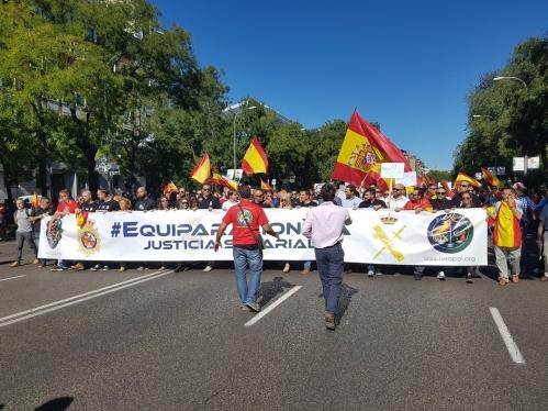 Las asociaciones continúan su acción conjunta en reclamación de la equiparación salarial