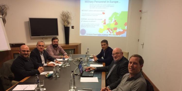 Los representantes de las asociaciones de policías europeas con naturaleza militar, en un momento de la reunión que mantuvieron el pasado 25 de enero en Amsterdam.