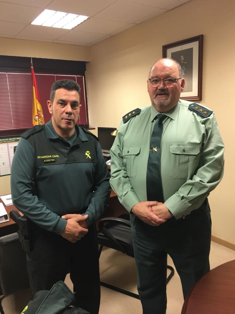 Francisco Cecilia, secretario general de AUGC Madrid, junto con el coronel de Asuntos Generales de la DGGC