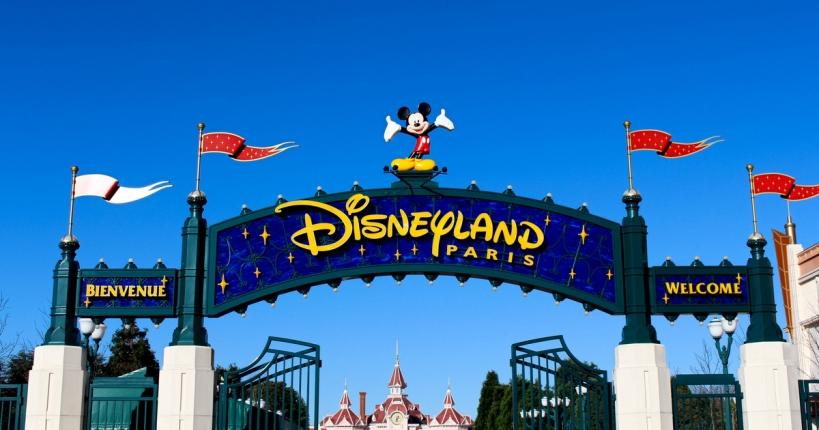 Disneyland París, uno de los destinos que cuentan con importantes descuentos para afiliados de AUGC gracias al convenio suscrito con Halcón Viajes.