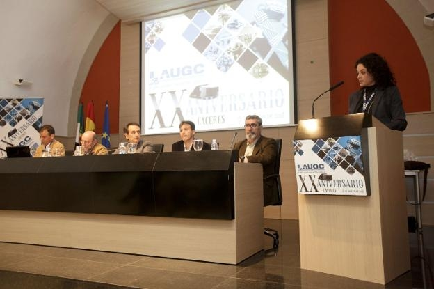 Autoridades y representantes de AUGC en un momento del acto de celebración del XX aniversario de AUGC Cáceres. Foto: Lorenzo Cordero / Hoy