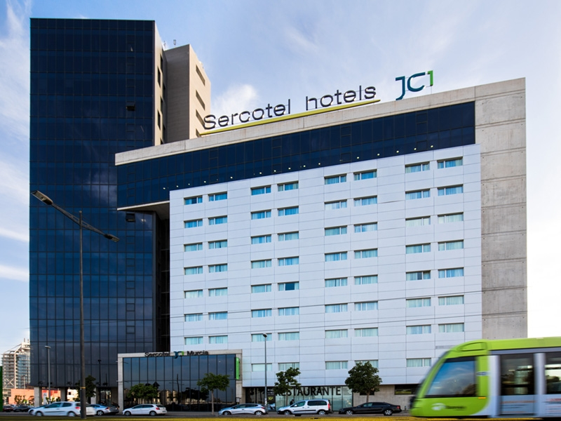 Edificio del Hotel Sercotel, en Murcia, cuyas instalaciones acogerán la asamblea de AUGC Murcia.