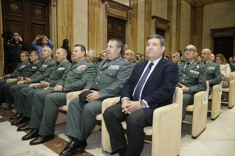 El director general de la Guardia Civil, José Manuel Holgado, junto con altos mandos en un acto celebrado en la Dirección.