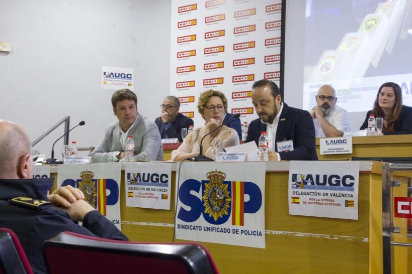 Un instante de la Jornada, con el secretario general provincial de AUGC Valencia, Juan José Tocón, en primer término.