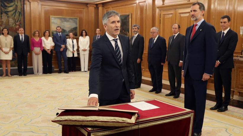El ministro del Interior, Fernando Grande-Marlaska, en el momento de prometer su cargo. El Pleno del Consejo celebrado el pasado miércoles fue el primero celebrado con el nuevo Gobierno.