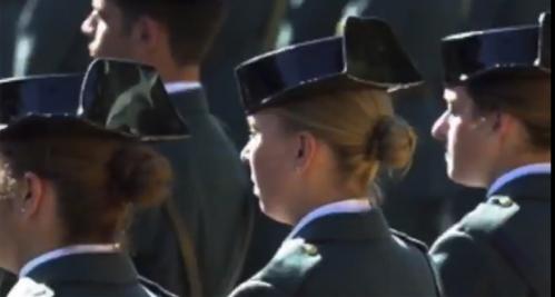 La difícil situación de la mujer, como guardia civil, en un entorno masculinizado.