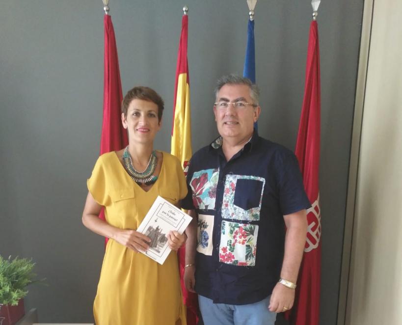 Momento del encuentro entre la Secretaria General del Partido Socialista de Navarra, Dª.  María Chivite Navascués, y AUGC Navarra.
