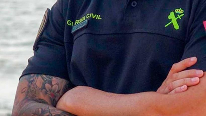 Los tatuajes forman parte cotidiana del aspecto de muchos ciudadanos, pero en la Guardia Civil insisten en prohibirlos.