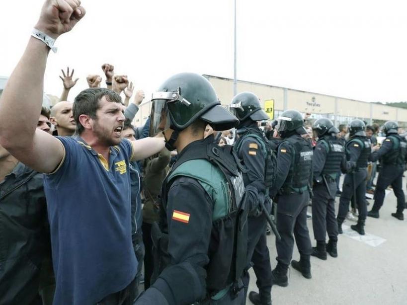 La tensión social que se vive en Cataluña repercute en las condiciones de trabajo de los guardias civiles allí destinados. Foto: EFE.