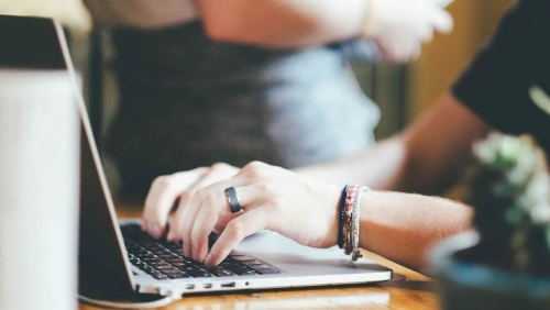 Saber obtener y manejar la información que pone a nuestro alcance Internet constituye una habilidad fundamental en nuestra sociedad actual.