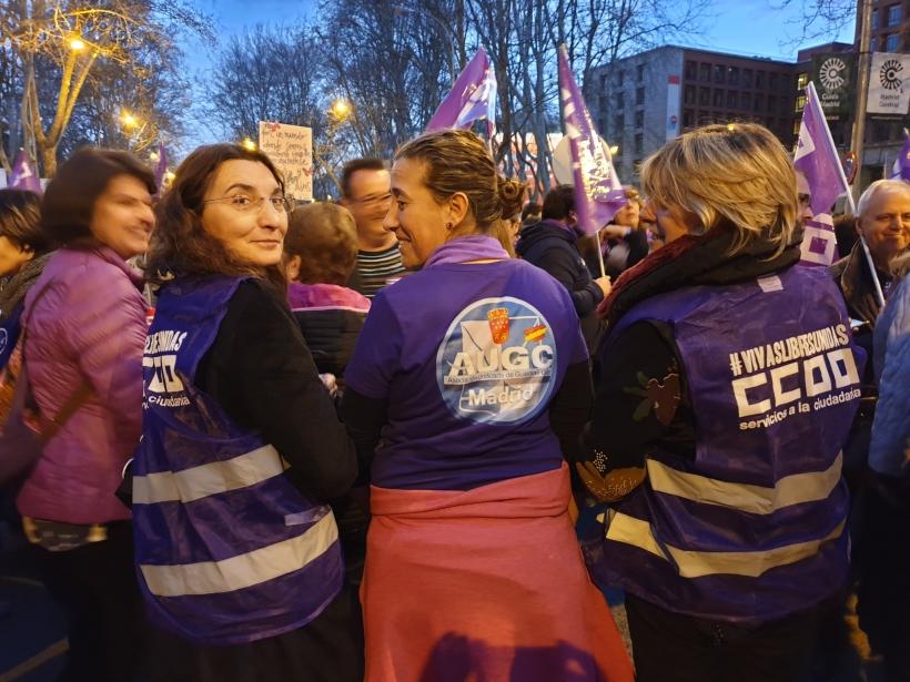 La secretaria de la Mujer de AUGC Madrid, Eva  María Gómez (en el centro), en la manifestación celebrada el pasado viernes.