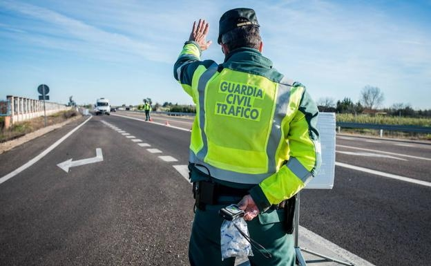 Control de carretera de la Guardia Civil.