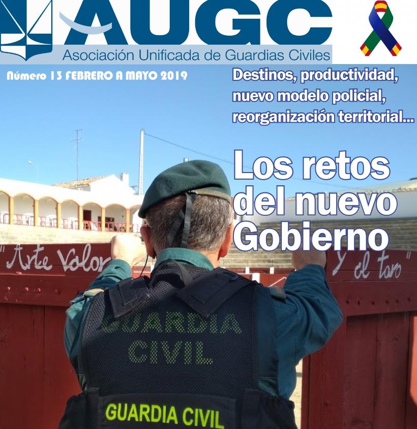 Aspecto de la portada del décimotercer número de 'La Revista de AUGC'