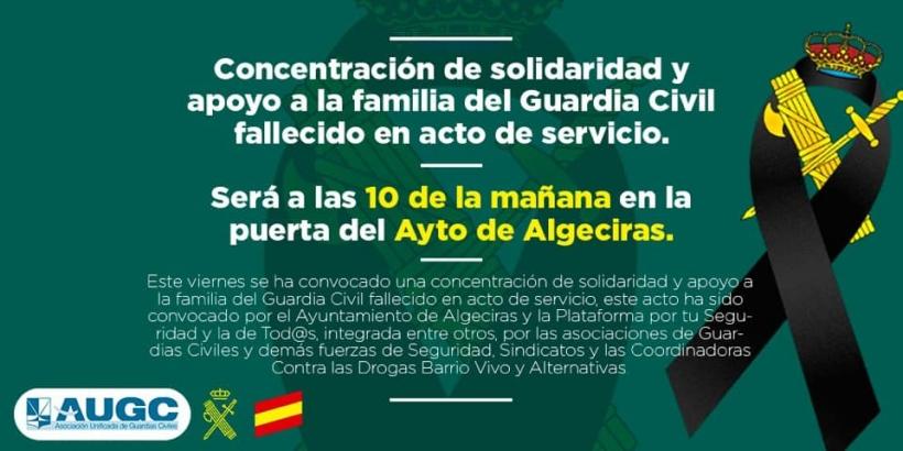 La concentración ha tenido lugar frente al Ayuntamiento de Algeciras.