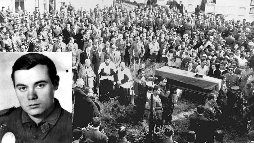 Entierro en su localidad natal del guardia civil José Antonio Pardines (en la imagen pequeña), la primera víctima de ETA, asesinado en junio de 1968.