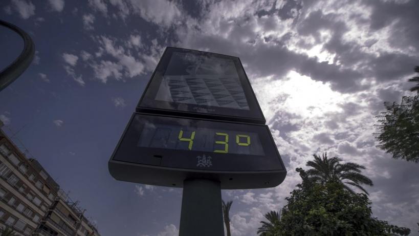 Con la llegada del calor son muchos los guardias civiles expuestos a las altas temperaturas durante su trabajo.